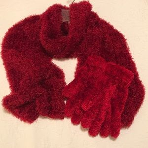 🆕 Listing Winter Scarf and Gloves